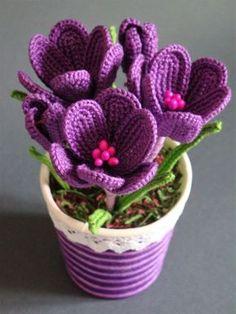 57d599eadad82543239cae8f78641dd2 Crochet Gifts, Crochet Toys, Knit Crochet, Crochet Flower Tutorial, Crochet Flower Patterns, Pattern Flower, Crochet Motifs, Crochet Stitches, Diy Flowers