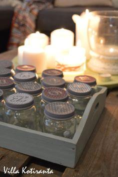 DIY: Joulukalenteri lasisista lasten välipalapurkeista / DIY; Advent calendar made from small glass jars Tea Lights, Advent Calendar, Candles, Diy, Corning Glass, Bricolage, Tea Light Candles, Advent Calenders, Candy
