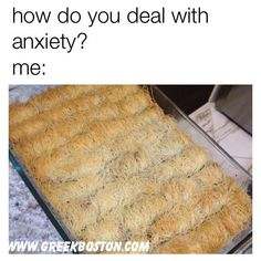 Greek Memes: Funny, Travel and Food Memes Funny Food Memes, Food Humor, Dog Memes, Funny Quotes, Greek Memes, Funny Greek, Comebacks Memes, Funny Pictures With Captions, Deal With Anxiety