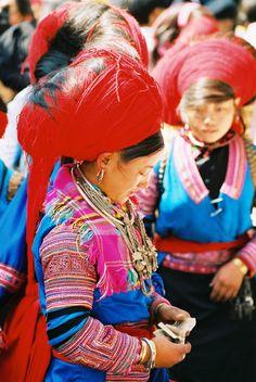 Dao hill tribe lady at the Sin Ho Sunday market.  NW Vietnam