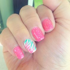 Glitter shellac with pink and green zebra stripe accent nail! Shellac Nail Designs, Shellac Nails, Zebra Nails, Pink Nails, Green Zebra, Pink And Green, Glittery Acrylic Nails, Cute Nails, Pretty Nails