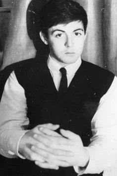 The crush to crush all other crushes. | 20 Pictures Celebrating Paul McCartney's Eternal Crushworthiness