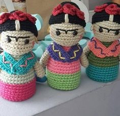 Frida Kahlo crochet/crochet pattern by EnamorArteCreaciones Small Crochet Gifts, Crochet Diy, Love Crochet, Amigurumi Patterns, Amigurumi Doll, Doll Patterns, Knitted Dolls, Crochet Dolls, Crochet Doll Pattern