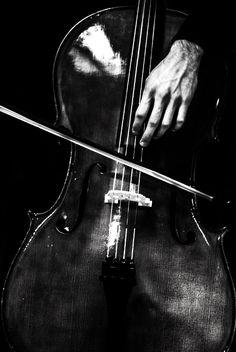 The cellist by Zoe Sahol ❤YmM❤