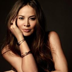 Moon Bloodgood as peters mum Lynda