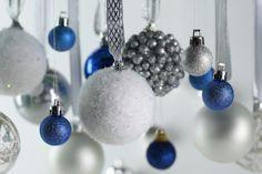 Christmas Balls - Desktop Nexus Wallpapers