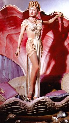 Hollywood sex symbol Lana Turner who died in 1995 at aged 74 Hollywood Model, Golden Age Of Hollywood, Vintage Hollywood, Hollywood Glamour, Hollywood Actresses, Classic Hollywood, Classic Actresses, Beautiful Actresses, Stars