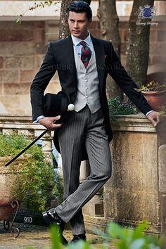 Traje de novio chaqué italiano a medida levita negra sin corte trasero, pantalón rayas diplomáticas, modelo 910 Ottavio Nuccio Gala colección Gentleman 2015.
