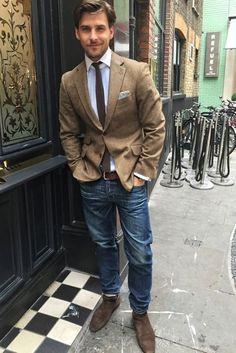 Casual wear male style tan blazer with jeans Blazer With Jeans, Outfit Jeans, Men's Jeans, Tan Blazer, Jeans Shoes, Jacket Jeans, Brown Blazer, Tweed Blazer, Tweed Jacket