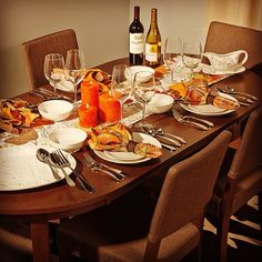 Setting the table for a festive and welcoming #Thanksgiving -- Aki-Home helps you offer the unexpected!
