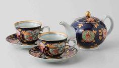Imari Porcelain: Old Imari design - Tea pot & 2 tea cups Set