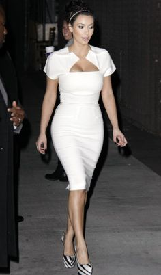 kim kardashian in white | ... fashion: Jennifer Lopez Kim Kardashian Disadvantages: Battle of White