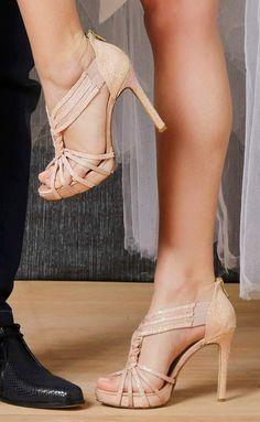 Νυφικά παπούτσια Χειροποίητα Divina Christian Louboutin Heels, Bridal Shoes, Stuart Weitzman, Nude, Sandals, Fashion, Bride Shoes Flats, Moda, Bride Shoes