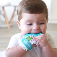 This teething mitten keeps baby safe from scratching themselves, saliva irritating their skin, and lessen the chance of developing blisters from thumb sucking. The top soft silicone teether helps your Baby Gadgets, Camping Gadgets, Tech Gadgets, Baby Life Hacks, Best Baby Toys, Baby Care Tips, Baby Necessities, Baby Development, Everything Baby
