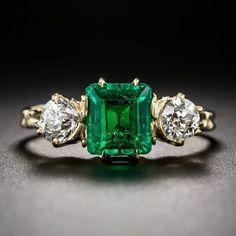 Antique Victorian Emerald Diamond Ring – Jóias com Diamantes para Engajamento Emerald Jewelry, Diamond Jewelry, Emerald Rings, Ruby Rings, Diamond Pendant, Gold Jewelry, Jewelry Rings, Gold Rings, Gemstone Rings