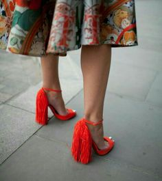 Are Wearing: Fancy Footwear -They Are Wearing: Fancy Footwear - Best Paris Fashion Week Street-Style Accessories Look Fashion, Fashion News, Fashion Shoes, Womens Fashion, Paris Fashion, Me Too Shoes, Mode Shoes, Looks Street Style, Girls Shoes