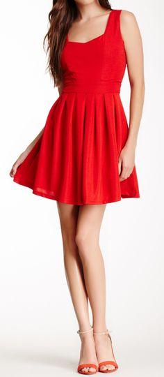 Sweetheart scarlet dress