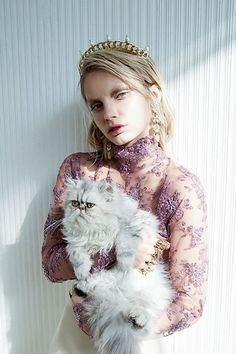 #JonidaRipani on #Schon magazine with Lauren #GoldCrown, #fashionartwise production #gucci belt