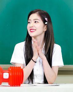 Irene Red Velvet on knowing brother Red Velvet アイリーン, Red Velvet Irene, Seulgi, Kpop Girl Groups, Kpop Girls, Squidward Tentacles, Red Valvet, Kpop Hair, Velvet Fashion