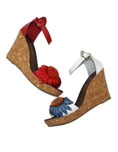 Босоножки на танкетке – одно из лучших украшений для ножек наших модниц. Да-да, танкетка – тренд 2014 года. Босоножки - http://goover-fashion.com/slingbacks-women-ss?product_id=561