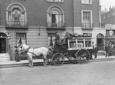 Horse drawn bus, 1905