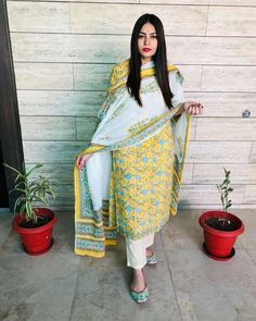 Limited stocks available* Hurry up!! Colour :- Yellow Kurti :- cotton 60*60 Pants :- cotton The post Arhams Presents appeared first on Arhams.