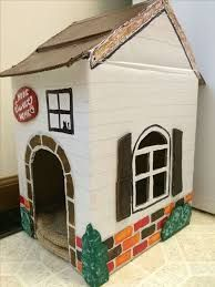 13 Unique Playhouse Ideas From Cardboard - mybabydoo Pallet Dog House, Build A Dog House, Cat House Diy, Cardboard Cat House, Cardboard Crafts, Dog Houses, Play Houses, Build A Playhouse, Playhouse Ideas