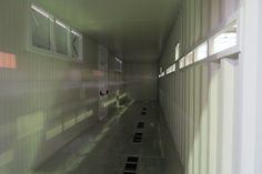 SOGECO containers, 40' HC allestito con aperture su lati lunghi, tetto e pavimento, per ospitare inverter e trasformatori che opereranno in Cile in un sito ad impianto solare. Fori lungo il muro grecato per sfogo aria inverter.