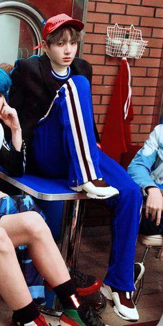 #BTS #방탄소년단 #LOVEYOURSELF Her concept photo E version