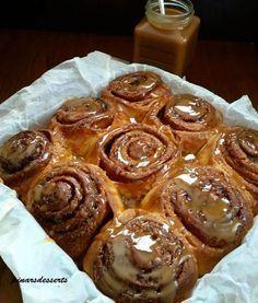 """Amerika'nın meşhur tarçınlı çörekleri""""Cinnamon rolls"""" bizim damak tadımıza da çok uygun bir lezzet. Pişirirken bütün evi mis gibi tarçın kokusu sarıyor. Yumuşacık ve son derece lezzetli olan bu çörekleri çok seveceksiniz. Bu tarifi """"Savory Sweet Life"""" is..."""