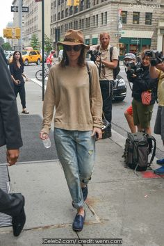 Lizzie Caplan With a hat out and about in New York http://icelebz.com/events/lizzie_caplan_with_a_hat_out_and_about_in_new_york/photo1.html