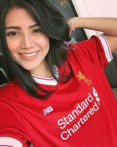 YNWA 😍 Liverpool Football Tickets, Liverpool Girls, Liverpool Football Club, Liverpool Fc, Hot Football Fans, Football Girls, Soccer Fans, Soccer Girls, Stoke City Fc