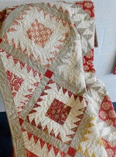Setting for Broderick Perse blocks Supergoof Quilts Half Square Triangle Quilts, Square Quilt, Two Color Quilts, Quilt Modernen, Traditional Quilts, Antique Quilts, Scrappy Quilts, Small Quilts, Quilting Designs