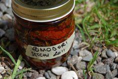 Una conserva di pomodori secchi