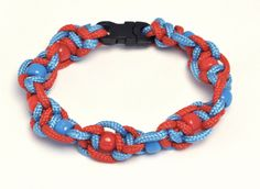 Twisted half sqaure knot paracord bracelet with plastic pony beads