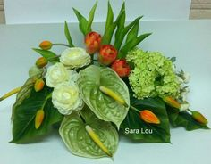Sara Lou Easter Flower Arrangements, Creative Flower Arrangements, Contemporary Flower Arrangements, Tropical Floral Arrangements, Easter Flowers, Floral Centerpieces, Tropical Flowers, Green Flowers, Modern Floral Design