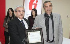 """Zonguldak'ta """"27'nci Vergi Haftası"""" etkinlikleri kapsamında """"2014 Yılı Gelir Vergisi ve Kurumlar Vergisi"""" rekortmenlerine teşekkür belgeleri törenle takdim edildi. Ereğli'den kurumlar vergisinde aynı zamanda Zonguldak birincisi olan ERDEMİR, .."""