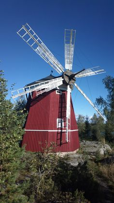 My wife's Nokia 808 PureView photo - an old windmill @ Kaskinen, Finland. It is now as a wallpaper on this phone.   TOP +200 Nokia 808 PureView Music Concert Videos. Enjoy distortion free sound & low bass: http://nokia808recordings.blogspot.fi   2012-09-20-0483.jpg