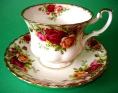 roses tea cup &snack saucer | Details about Royal Albert Old Country Roses Tea Cup and Saucer Set