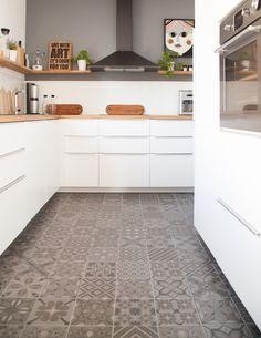 You will not believe these 12 modern kitchen designs are from Ikea - Kitchen Decoration Kitchen Ikea, Farmhouse Kitchen Cabinets, Mini Kitchen, Kitchen Linens, Home Decor Kitchen, Ikea Kitchens, Kitchen Backsplash, Kitchen Island, Ikea Design