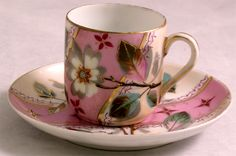mix and match tea cups for a chic dinner party!