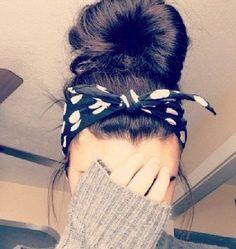 Pin up hairstyles with bandana Up Hairstyles, Pretty Hairstyles, Braided Hairstyles, Female Hairstyles, Bandana Hairstyles For Long Hair, Fashion Hairstyles, Vintage Hairstyles, Natural Hairstyles, Cabello Pin Up