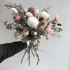 Boho Wedding Flowers, Bohemian Wedding Decorations, Bridal Flowers, Flower Bouquet Wedding, Floral Wedding, Bouquet Of Flowers, Winter Bouquet, Pink And White Flowers, Order Flowers