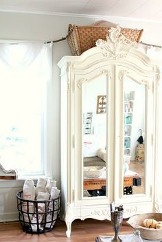 Shabby Chic Wardrobe Doors White Armoire 50 Ideas For 2019 White Armoire, French Armoire, Mirrored Wardrobe Doors, French Closet Doors, Shabby Chic Wardrobe, Shabby Chic Mirror, Painted Cottage, Furniture Inspiration, Interior Design Living Room