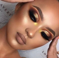 How to make a smoky eye makeup? - Mody Hair - Make-Up Looks How to make a smoky eye makeup? – Mody Hair – Make-Up Looks – How to make a smoky eye makeup? – Mody Hair – Make-Up Looks – - Bright Eye Makeup, Glam Makeup Look, Smoky Eye Makeup, Full Makeup, Creative Makeup Looks, Fall Makeup Looks, Colorful Eye Makeup, Makeup For Brown Eyes, Eyeshadow Makeup