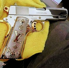 Colt commander, To much bling. Colt M1911, Revolvers, Swagg Girl, Love Gun, Custom Guns, Custom Glock, Fire Powers, Cowboy Bebop, Cool Guns