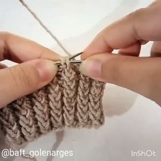 Ещё один  способ вязания резинки спицами👌. Я знаю, что у меня в подписках много рукодельниц 🥰. Девочки, сохраняйте. Очень интересный узор резинки👌от @daft_golenarges. Beanie Knitting Patterns Free, Mongolian Beef Recipes, Crochet Videos, Fingerless Gloves, Arm Warmers, Free Pattern, Embroidery, Charts, Slicked Hair