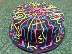 bolo-decorado-neon-balada neon-cake