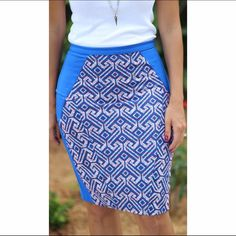 Antropologie-Eva Franco Skirt Curve-hugging and universal flattering pencil skirt. Lovely and stop shopper geometric pattern. Length above knees. Anthropologie Skirts Pencil