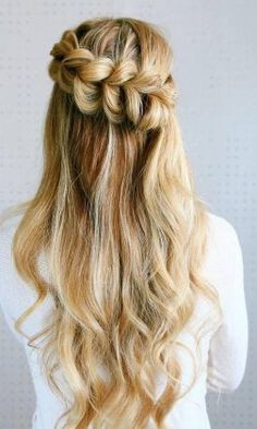 Long Wedding & Prom Hairstyles via Missysueblog